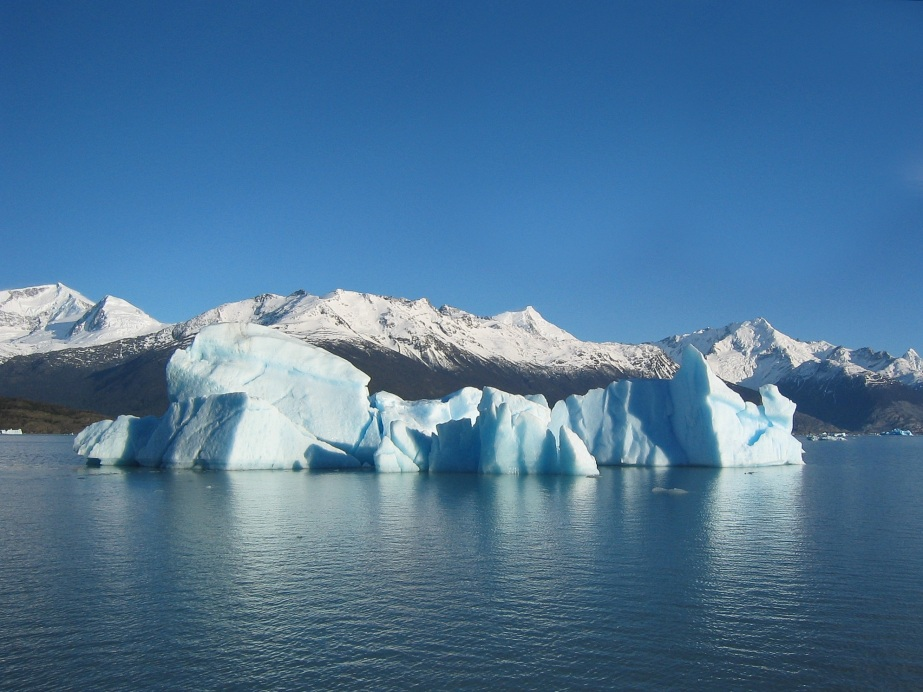 Glacial_iceberg_in_Argentina_via Wikimedia Commons