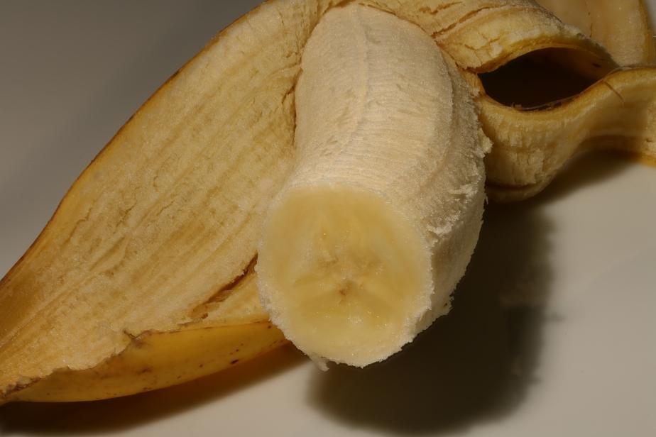 banane_mit_schale