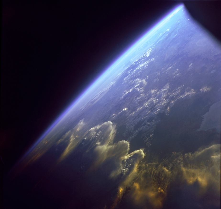 andes_mountains_as_seen_from_gemini_7_-_gpn-2000-001067