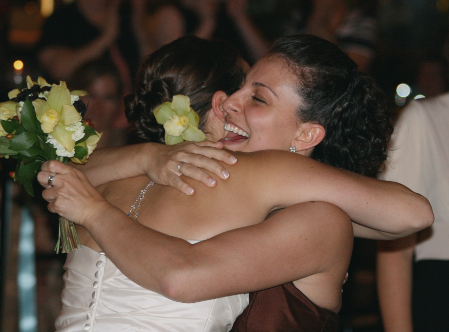 wedding_hugs