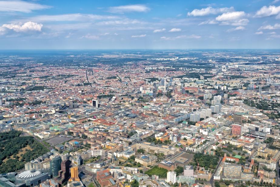 Berlin_-_Aerial_view_-_2016